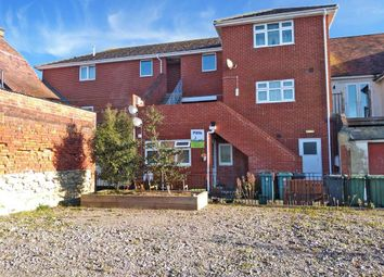 Marsh Road, East Cowes, Isle Of Wight PO32. 1 bed flat for sale