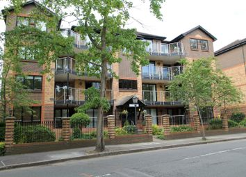 Thumbnail 2 bed flat to rent in Blyth Road, Bromley
