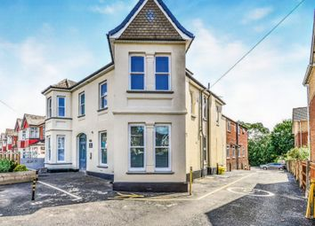 2 bed flat for sale in Peartree Avenue, Southampton SO19