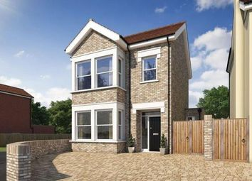 Thumbnail 4 bed property for sale in Rushdon Close, Gidea Park, Romford