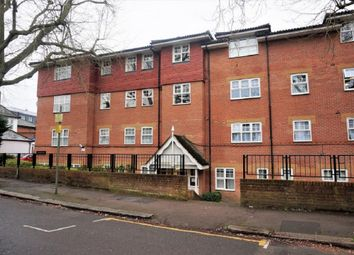 Thumbnail 2 bed flat to rent in Woodside Lane, Finchley