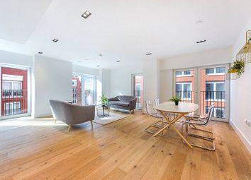 Exchange Gardens, Vauxhall SW8. 2 bed flat