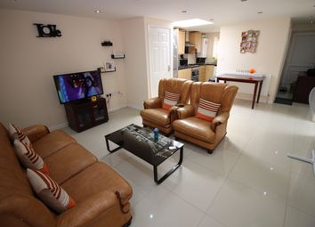 Thumbnail 2 bed flat to rent in Bath Road, Hounslow West
