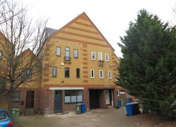 Thumbnail 3 bed town house to rent in Drake Close, London