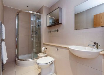 Thumbnail 2 bedroom flat to rent in Steele Road, Chiswick