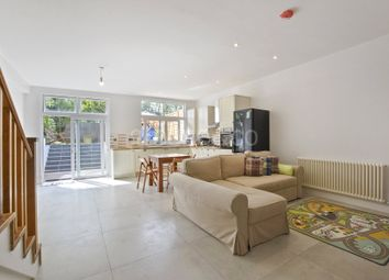 Thumbnail 4 bedroom flat for sale in Colney Hatch Lane, Muswell Hill, London