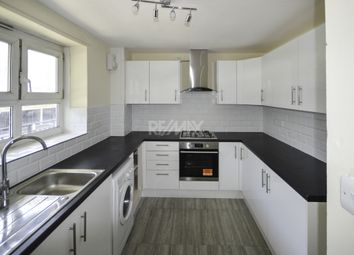 3 bed flat to rent in Frendsbury Road, London, London SE4
