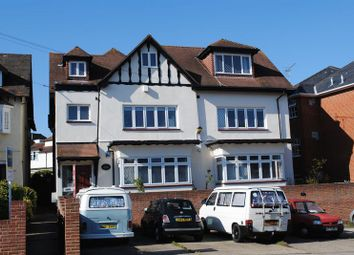 Thumbnail 3 bedroom flat to rent in Kings Road, Westcliff-On-Sea