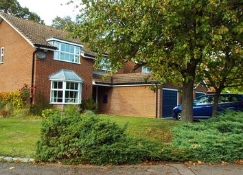 Thumbnail 4 bed detached house to rent in Linden Close, Wokingham