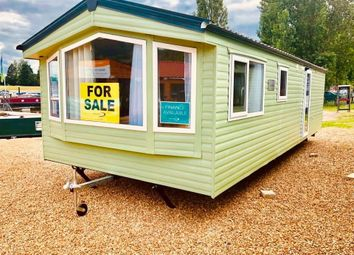 Thumbnail 2 bedroom mobile/park home for sale in Crows Lane, Northampton