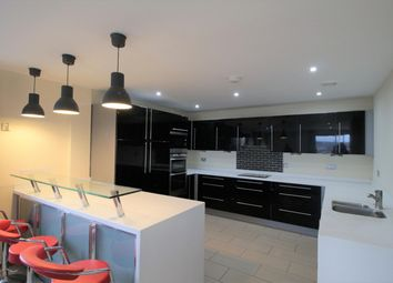 Thumbnail 2 bed flat to rent in City Gate West, Oldham Street