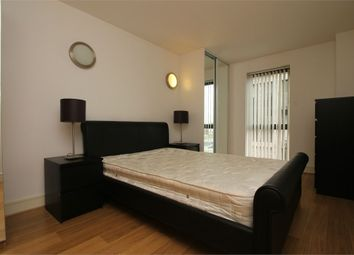 Thumbnail 2 bed flat to rent in Janet Street, London