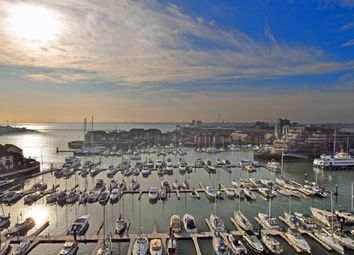 Thumbnail 3 bed flat for sale in Sundowner, Channel Way, Southampton
