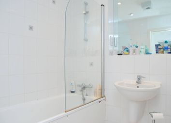 Thumbnail 1 bed flat for sale in Cold Harbour, Canary Wharf