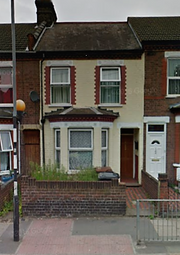 Thumbnail 5 bedroom terraced house to rent in Dallow Road, Luton