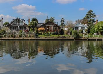 Thumbnail 3 bed detached bungalow to rent in The Island, Thames Ditton