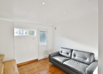 Thumbnail Studio to rent in Heddon Road, Cockfosters