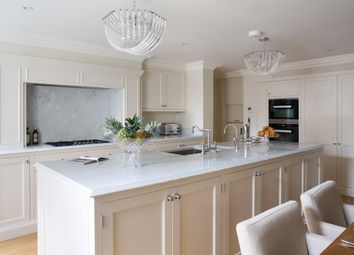 Thumbnail 6 bed flat to rent in Upper Brook Street, London, London