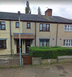 3 bed terraced house to rent in Powell Place, Bilston WV14