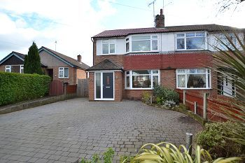 Thumbnail 3 bed property for sale in Chiltern Avenue, Macclesfield