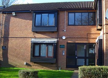 Thumbnail 1 bedroom flat to rent in Colin Road, Luton