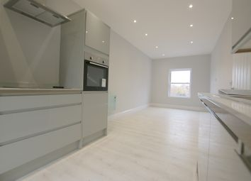 1 bed property to rent in Commercial Road, Whitechapel, Whitechapel E1