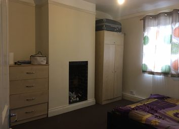 Thumbnail 2 bed flat to rent in Gaysham Avenue, Ilford
