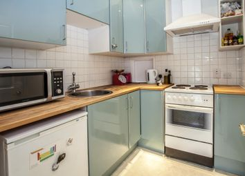 Thumbnail 1 bed flat to rent in Askew Road, Shepherds Bush, London