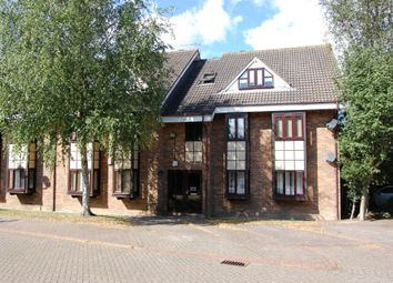 Thumbnail 2 bed flat to rent in The Chequers, Buckhurst Hill