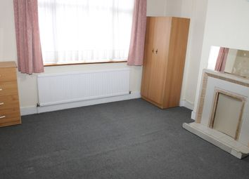 Thumbnail 2 bedroom shared accommodation to rent in Hereward Gardens, Palmers Green