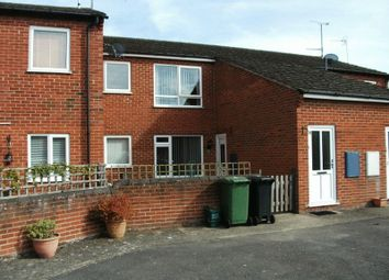 Thumbnail 2 bed flat to rent in Sandringham Road, Didcot