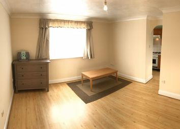 2 bed flat to rent in Parsonage Road, Grays RM20