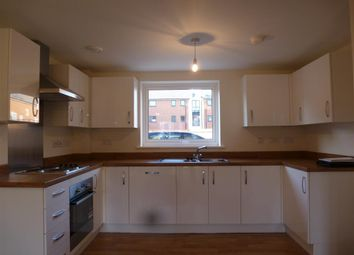Thumbnail 1 bed flat to rent in Putman Street, Aylesbury
