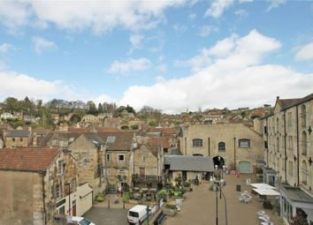 Thumbnail 2 bedroom flat to rent in Silver Street, Bradford-On-Avon, Wiltshire