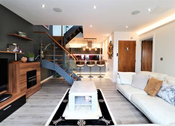 Thumbnail 2 bed flat for sale in Catalonia Apartments, Watford, Hertfordshire