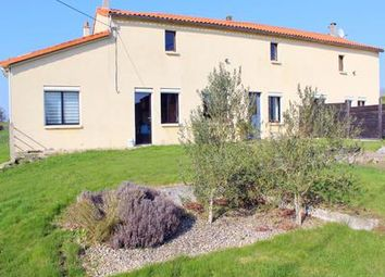 Thumbnail 5 bed property for sale in St-Mesmin, Vendée, France