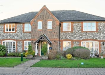 Thumbnail 2 bedroom flat to rent in Hill Farm Court, Chinnor