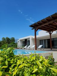Thumbnail 8 bed villa for sale in Roches Noires, Mauritius