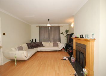 Thumbnail 3 bedroom flat to rent in Kemsing Close, Bromley
