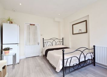 Thumbnail Studio to rent in Swakeleys Road, Ickenham, Uxbridge