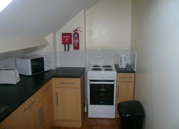 Thumbnail 3 bed flat to rent in London Road, Leicester