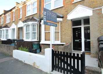 Thumbnail 1 bed flat to rent in Gillett Road, Thornton Heath