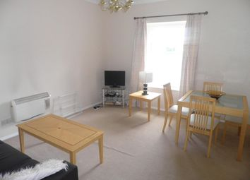 Thumbnail 1 bed flat to rent in House, 16 Cookham Road, Maidenhead