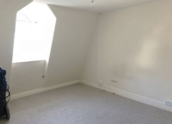 Thumbnail 2 bed flat to rent in Fleet Street, Torquay