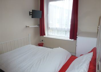 Room to rent in Newmill House, Devas Street E3