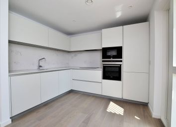 Thumbnail 3 bed flat to rent in The Bevenden, Hoxton