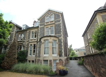2 bed flat to rent in Elmdale Road, Clifton, Bristol BS8