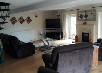 Thumbnail 2 bed flat to rent in Green Lane, White Castle Court, Bradford
