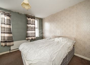 Thumbnail 1 bedroom flat for sale in Southampton Way, Camberwell