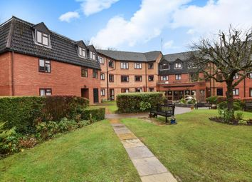 Thumbnail 1 bed flat for sale in Crescent Dale, Maidenhead